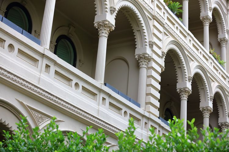 A glimpse at some of the architecture of even residential buildings that fringe the CBD have to their exteriors. Architecture Balcony Building Exterior Building Exterior Architecture EyeEmNewHere Glass Windows Inner City Architecture Low Angle View Residential Building Similar Pattern Verandah
