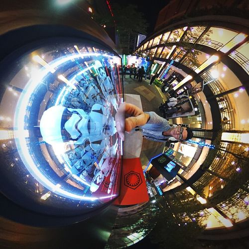 少廢話!是男人就我跟你,別把其他人扯進來! 🙅🙅🙅 ( 你們人那麼多 Starwars MOVIE Theta360 Theta Streetphotography Selfie ✌ Star Wars Force Storm Trooper Troopers