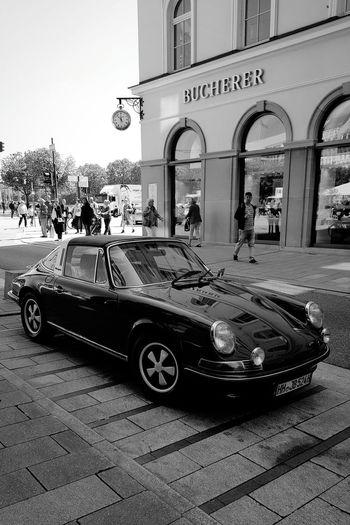 Aroundtheworld Traveling Taking Photos Hanging Out Black & White Enjoytheride Classic Cars
