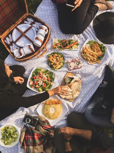 High Angle View Food And Drink Food Indoors  Real People Table Plate Serving Size Ready-to-eat Freshness Men Healthy Eating Women Human Hand Day One Person People Flatlay Flat Lay Flatlayphotography