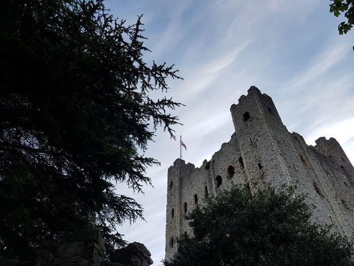 Beaultiful Beaultiful Day Blue Built Structure Castle Day Green Green Color Green Trees Historic History Low Angle View Nice View No People Outdoors Rochester Castle Sky Tourist Attraction  Trees Trees And Sky White