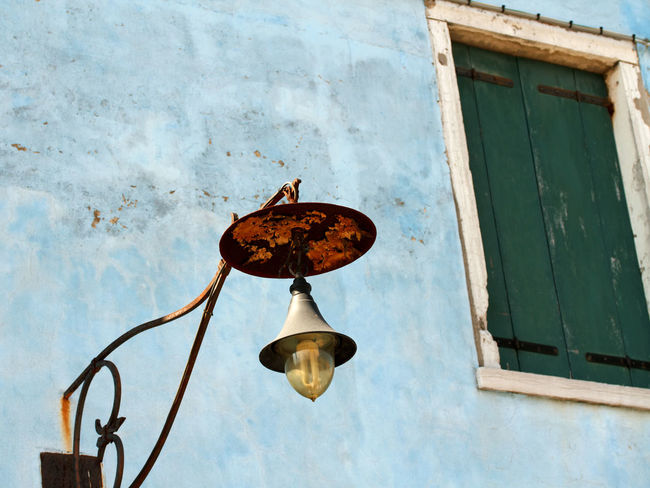 Old house facade in Burano/Italy Architecture Attraction Attractions Blue Burano Famous Place House Facade House Facades Island Italy Lamp Lamps Lantern Lanterns Old Rusted Rusty Street Light Tourist Destination Tourist Destinations Travel Destinations Village Weathered Window Windows