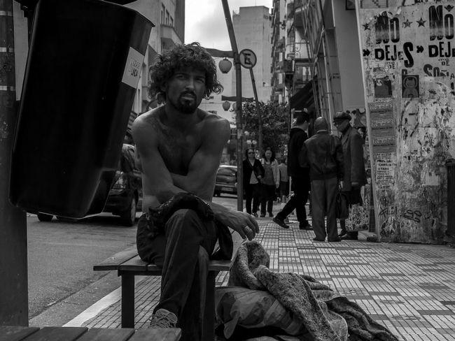 Um morador de rua no bairro da Liberdade Sitting People Adult One Person One Man Only Day EyeEmNewHere Portrait Pose Homeless Curiosity