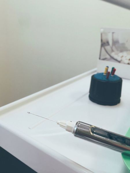 It's dripping Syringe Needles Liquid Medicine Zahnarzt Dentist Spritze Pain Teeth Care Pain Relief Anaesthesia Drip