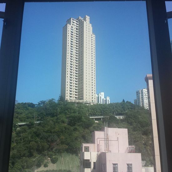 Look how bloody beautiful that sky looks Nofilter Bigbluesky Fresh Beautiful Weather Happyvalley HongKong