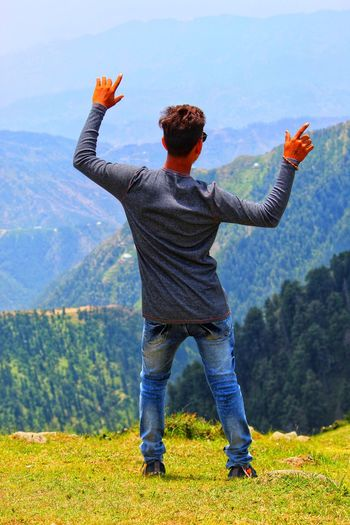 Stylish Pose Travelling Photography Indian Tourism Tourism Travling Tourist Attraction  Tourist Destination Natural Beauty Indian Place Scenery Portrait Photography Stylish Pose Men Mountain Rear View Standing Human Arm Arms Raised Sky Growing Scenics Countryside Rocky Mountains Non-urban Scene Beauty In Nature Rock Formation Snowcapped Mountain Rock Formation Mountain Range Mountain Road Physical Geography