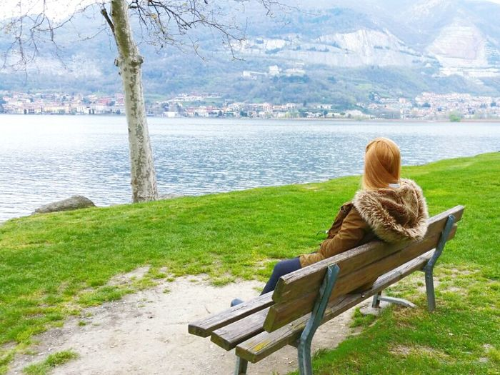 observing... Lake Lakedistrict Lombardy Relaxing Enjoying The Sun Peace And Quiet Enjoying Life Lovely Weather Beautiful Day Quality Time