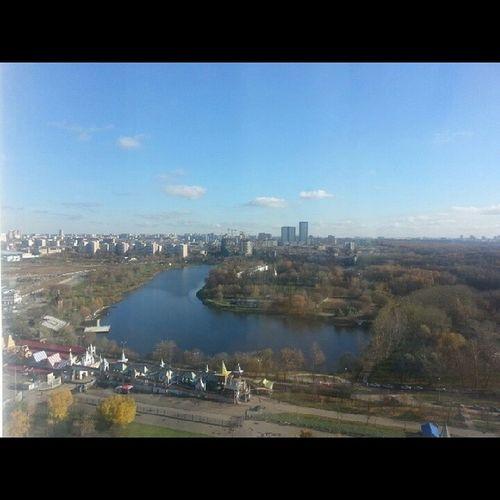 Вот такой вид из номера с 22 этажа)) хорошо что не достался номер с другой стороны))) отель измайлова Москва видизокна отдыхдолгожданныйнормальныйотдыхскроватью