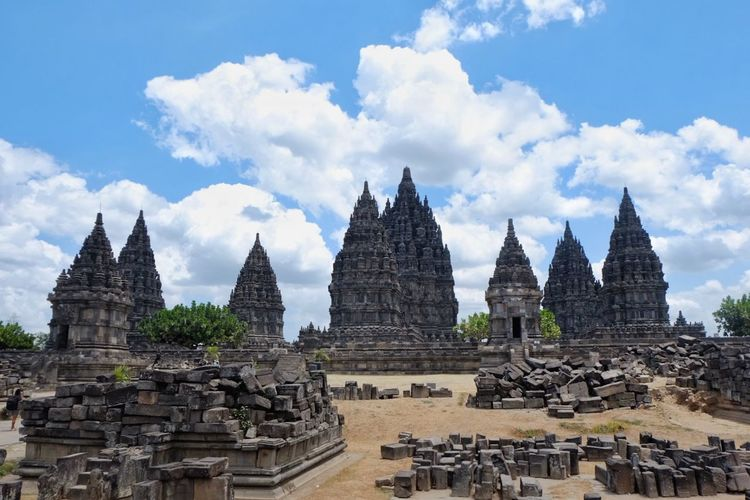 Prambanan Temple Prambanan Temple Prambanan Temple Hindu Hindu Temple Blue Sky Stone Stone Material Religion And Tradition Religion Architecture Ancient Civilization City Place Of Worship Cityscape Spirituality Religion Business Finance And Industry History Ancient Old Ruin
