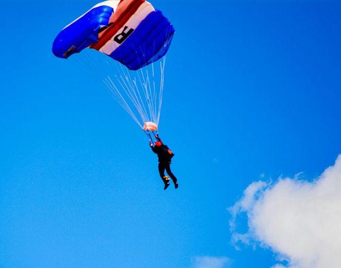 """OK break for landing"".... Sunderland Air Show 2014 Air Show Parachutes Taking Photos"