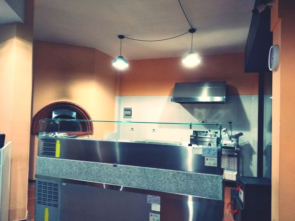 Pizzaria Pizza Time Italy🇮🇹 Sohan EyeEm Selects Pizza Store Pizza Oven Baking Architecture Faucet Stainless Steel  Kitchen Sink Electric Light Ceiling Chandelier Pendant Light Architectural Design