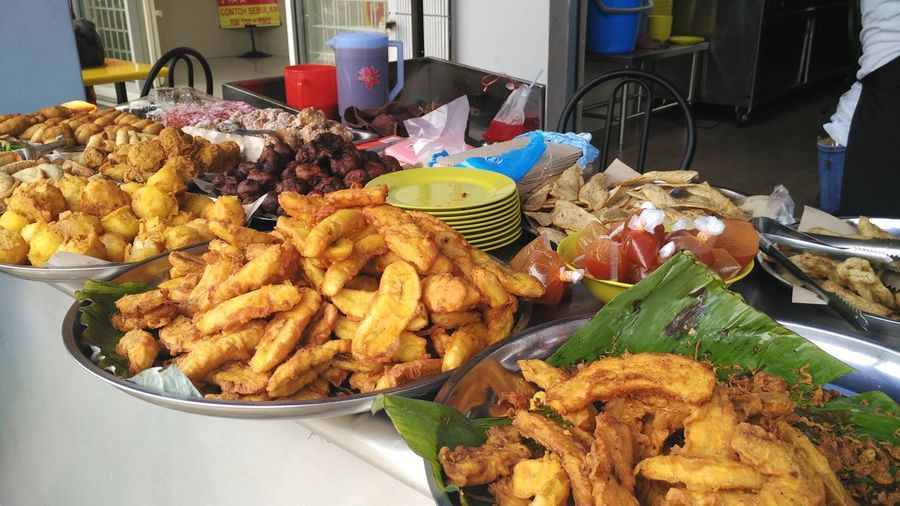 Goreng Pisang Fried Banana Asian Culture Asian Foods Asian Food Market Asianfood Banana Kuih Kuihmuih Malaysian Food Pisang Pisanggoreng Pisang Goreng Color Of Life Colour Of Life Lekor Fried Lekor Fish Crackers