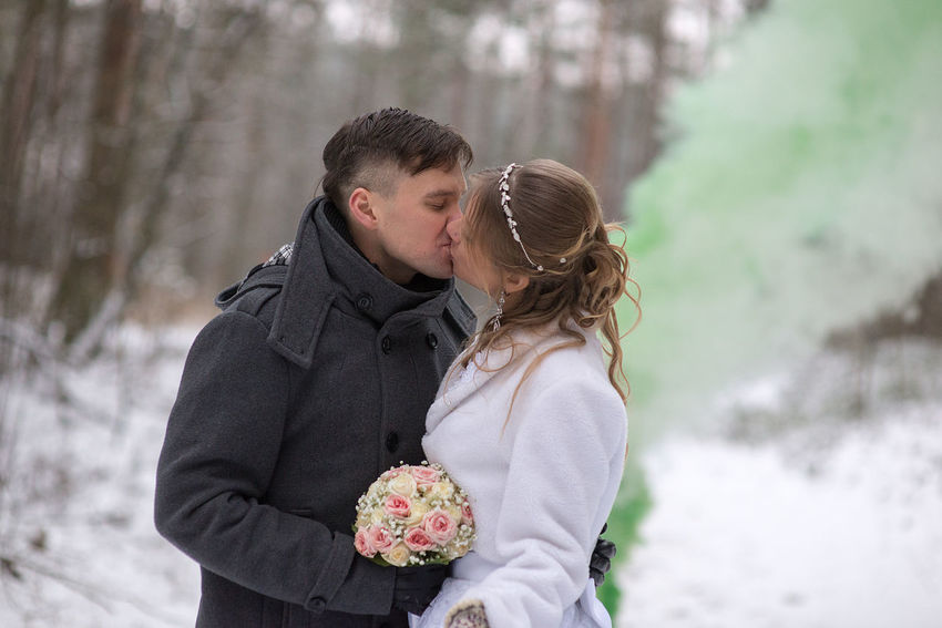 Wedding Cold Temperature Couple - Relationship Day Flower Focus On Foreground Forest Green Smoke Heterosexual Couple Holding Lifestyles Love Men Nature Outdoors Romance Standing Togetherness Two People Winter Women Young Adult Young Couple Young Men Young Women