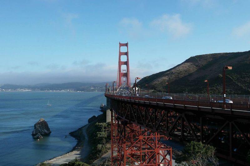 Golden Gate Bridge w San Francisco Architecture Golden Gate Bridge Sea Cloud Tourism Built Structure Engineering International Landmark Famous Place Travel Destinations Suspension Bridge First Eyeem Photo