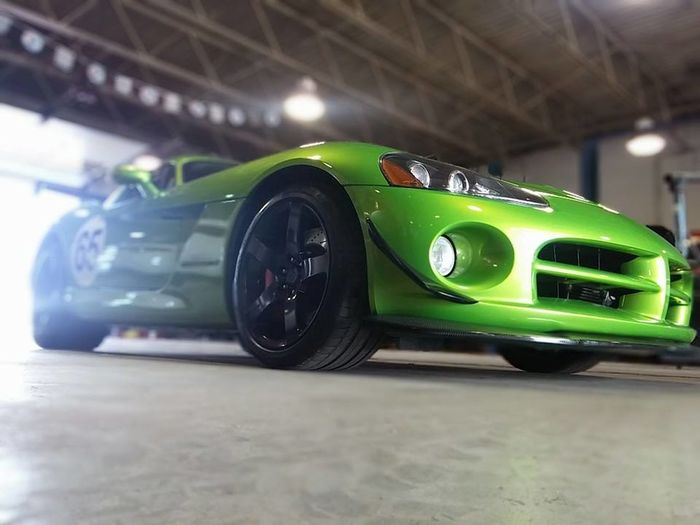 No People Day Performance Service Center Service Station Car Showroom Indoors  Green Close-up Green Color Illuminated Dodge Viper Racecar Angle