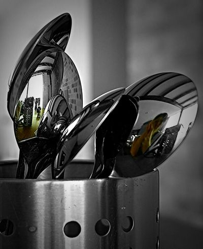 Daily Life Home Is Where The Art Is Life In Spoons Spoons Pivotal Ideas Everday Items Close-up Up Close Culture Of The Holidays Monochrome Photography Maximum Closeness Colorsplash Chance Encounters Always Be Cozy Everyday Item Lieblingsteil