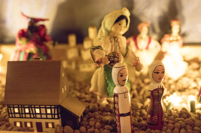Christmas Christmas Crib  Diversity KRIPPE Krippenfiguren Weihnachten Chrstmas Decoration Crib Crib Figurine Details Dolls Electric Light Ethnography Folclore Iesle Indoors  Nofilter Noflash Noperson Poor Light Puppe Series Worldwide