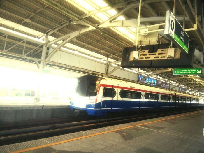 รถไฟฟ้า Skytrainbangkok Skytrain BTS EyeEm Gallery