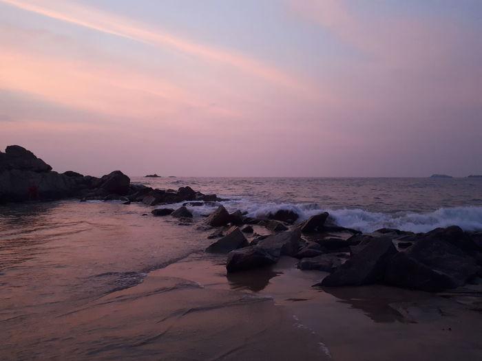Sri Lanka Indian Ocean Ocean View Bentota Beach Bentota Ocean Purple Wave Water Sea Sunset Beach Sand Adventure Sun