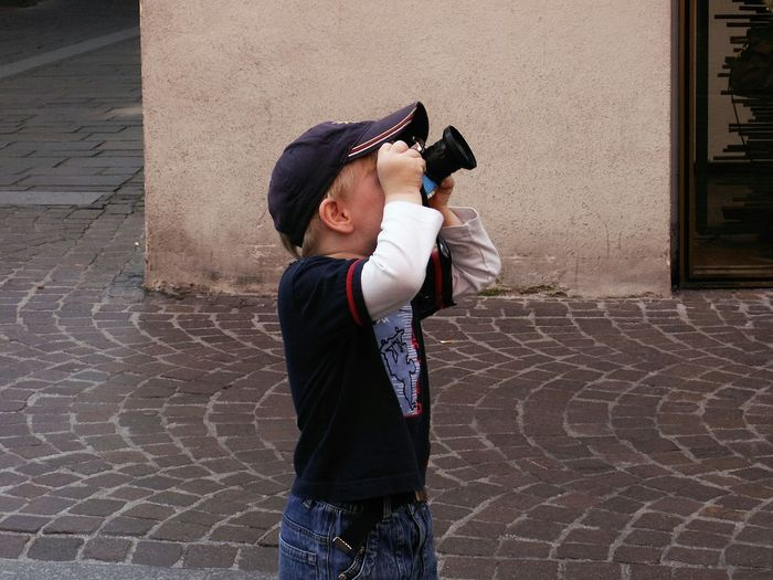 The next EyeEm-Generation ... Childhood Memories Childhood Taking Photos Taking Pictures Taking Photos ❤ Child Photography Creativity Check This Out Boys Vacations People And Places Enjoy The New Normal waiting game Lieblingsteil The Street Photographer - 2017 EyeEm Awards The Week On EyeEm Be. Ready. Stories From The City Inner Power Adventures In The City A New Perspective On Life It's About The Journey