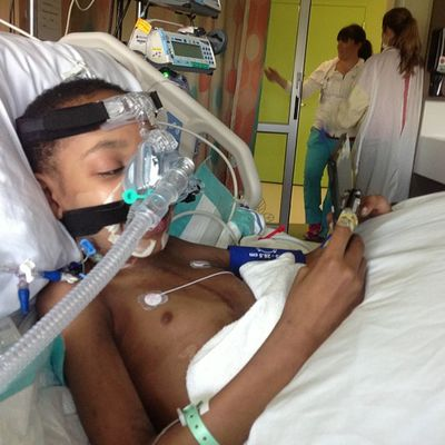 I feel good enough to play me DS! Seattlechildrens Seattlechildrenshospital Pneumonia Legionnaires posttransplant donatelife donatelifetoday