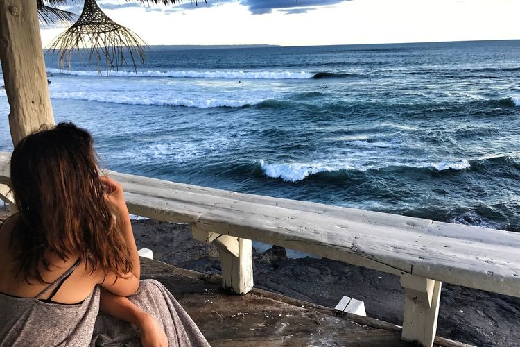 Girl Overlooking Nature Girl Watching The Sunset Beach Female Solo Traveler Mindfulness