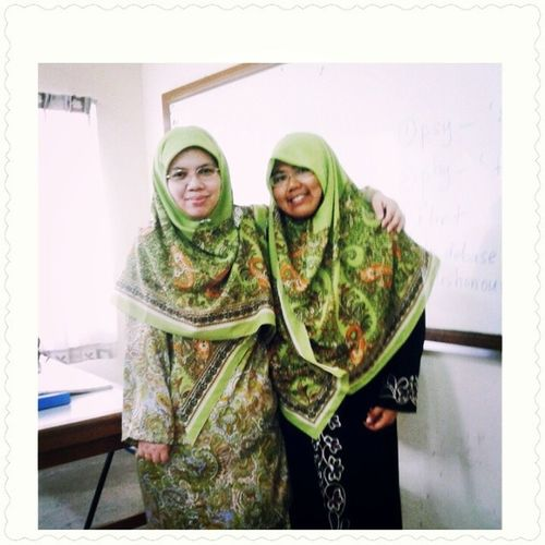 ^_^ With my sweet English lecturer, Madam Aileen Madam Aileen is really awesome...Love her so much, she is so lovely and sporting ;) ;) ;) No doubt the whole class love her so much <3 <3 <3 <3 <3 * Wearing the same green Arkel Hijab with madam, its planned ! hihi Accountancy Bell English Alltimefav lecturer UitmPerak lovely inspiring awesome