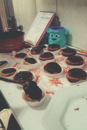 Cupcakes :3 Cupcakes Food Hmmm Chocolate