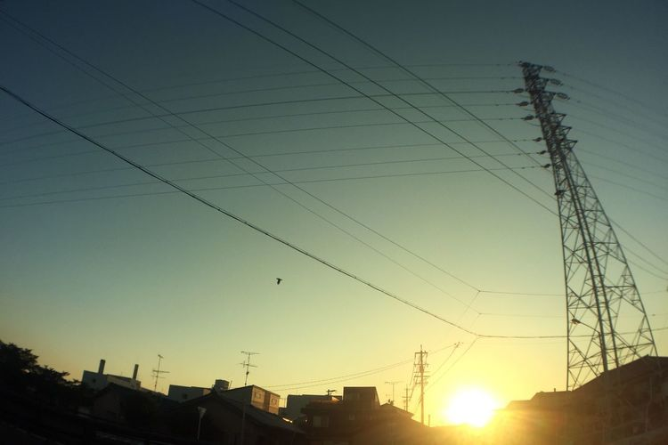 夕陽 Sunset 鉄塔 Pylon 空 Sky 電線 Electric Wires