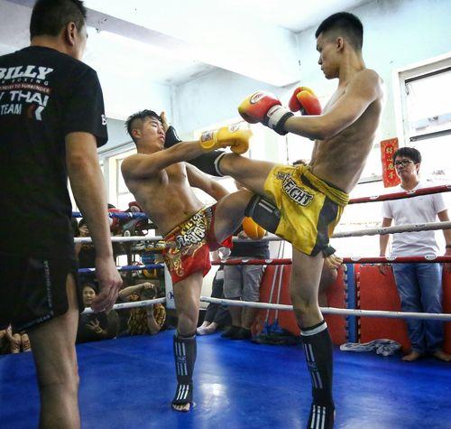 互不相讓 Light And Shadow Billy Gym's, Inter- Gym's Thai Boxing HKMTA MAUY THAI Portrait Photography Things I Like Hong Kong