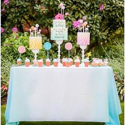 Great start to a gloomy Monday ! This super cute Wedding Shoot was inspired by Drseuss 's Thelorax and I was thrilled to do the Ombre Linens for this! Planned to perfection by @umbrellaeventsvancouver and captured beautifully by @jelgerandtanja 📷 I'm in love with these Cakes ! 🎂 See the full shoot on @fabyoubliss website or Facebook page🍭🍭🍭 Events Bridal Vancity Weddingday  Decorating Dining Tablecloth Colour Napkins Party Equality Samesexmarriage Lgbt Pride Gardenparty Glenbrookpark Newwestminster