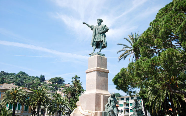 Christopher Columbus indicating the course to America - Rapallo, Genova, Italy. Art Colombo Columbus Creativity Cristoforocolombo Day Genova Italia Italy Liguria Monument Rapallo Sculpture Sky Statue Tourism Travel Destinations
