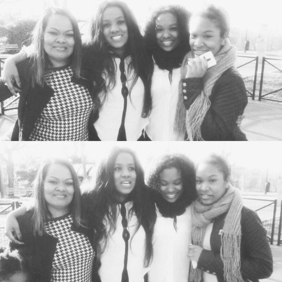 Family Power Woman Metissage black white instamoment love love love twins mum