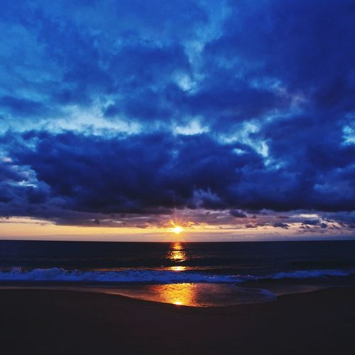 Sea Beach Dramatic Sky Sunset Reflection Horizon Over Water Scenics Nature Sky Outdoors Cloud - Sky No People Beauty In Nature
