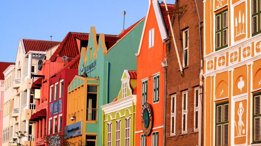 Architecture Building Building Exterior Built Structure Carabeans Carebean City City Life Colorful Colors Colour Colurs Curacao Curacao (willemstad) Hausfassaden Hausfassenden Karibik Karibische Stadt Roof Roofs Street Street, People, Colourful, Photography, City Urban Willemstad
