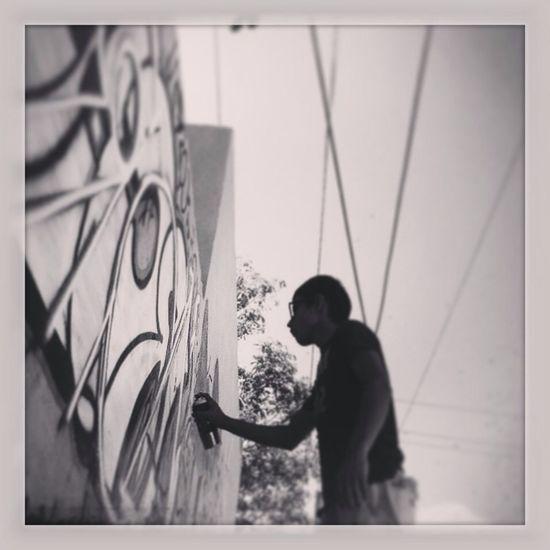 Graffiti Taking Photos Hello World Relaxing