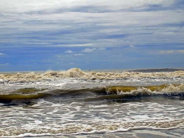 Folley Beach South Carolina Beach Beautiful Beach Photography Check This Out Sand Ocean❤ OceanWaves Enjoying Life