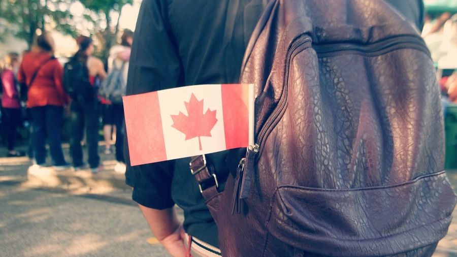 Travel Traveling Street Life Streetphotography Streetphoto Street Summer Walk Backpack Flag Canada Canadian Flag Canada Day 2016 Tourism Tourists POVshots POV Colour