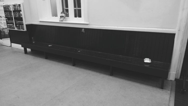 Waitingroom Indoors  No People Rail Station Night 2017 Glass Food And Drink Bench
