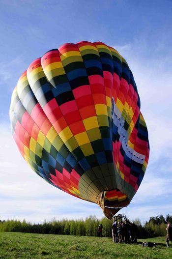 Heißluftballon Schweben Ballon Balloon Hot-air Flighing Flight Hot Air Balloon Adventure Transportation Ballooning Festival Multi Colored Sky Air Vehicle Mode Of Transport Outdoors Extreme Sports