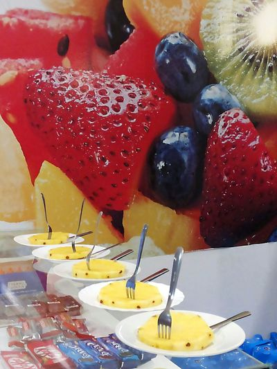 Fruits Fruit Eat More Fruit Fruity Fruits ♡ Fruitlover Colorful Colors Colours Yami Pineapple Healthy Healthy Food Healthy Eating Healthylife Healthy Lifestyle we love fruits! Eat More Fruits What I Like