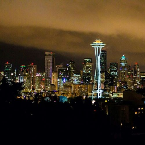 Kerry park, Seattle. Seattle Downtown Downtownseattle Skyline spaceneedle seattleskyline kerrypark nightcity night skyscrapers view Washington photography waterfront quineanne