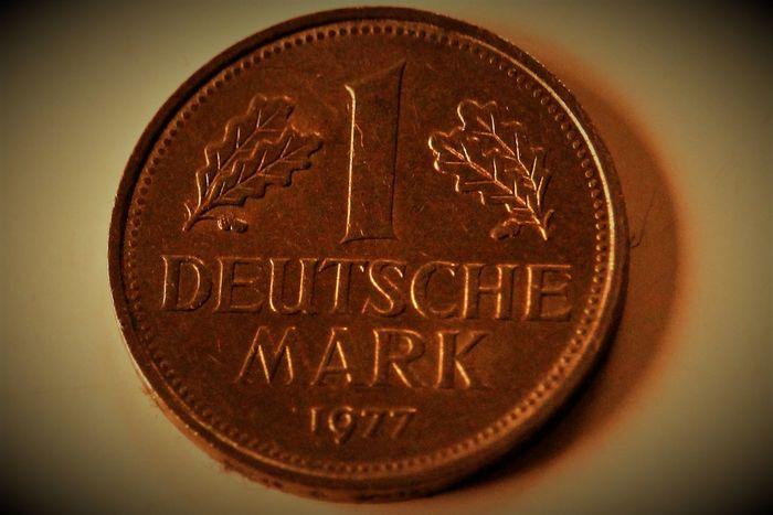 1 deutsche Mark Alte Deutsche Währung Coins Currency Deutsche Mark Deutsche Mark Finance Geldstück German Currency Mark Money Money Money Old German Currency Savings Währung