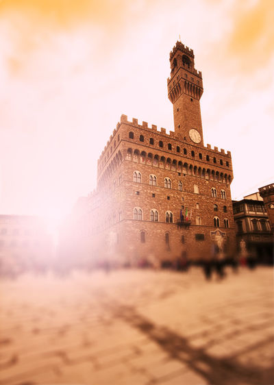 Palazzo Vecchio Piazza Della Signoria Florence Firenze Florence Italy Palazzo Della Signoria Medieval Medieval Architecture Italy Square Defocused Landmark Famous Place Building Exterior Built Structure Architecture Travel Destinations Low Angle View Travel