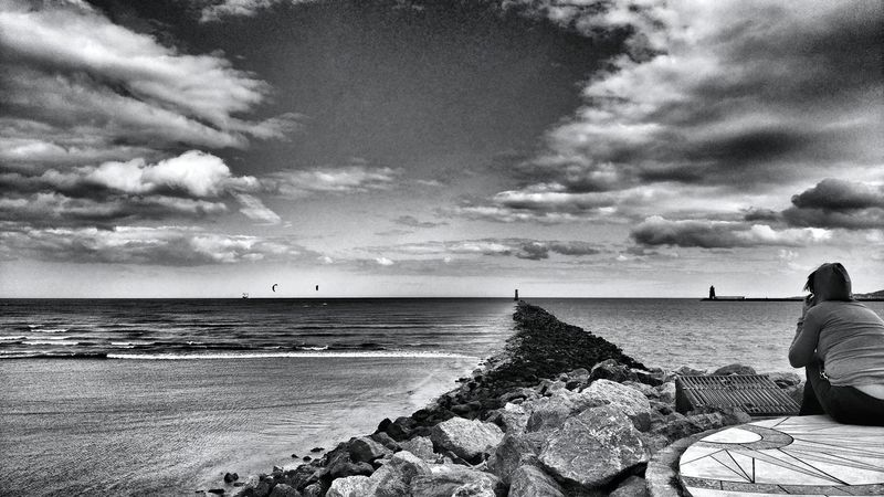 Looking at the sea Beach Sea Horizon Over Water Cloud - Sky Sky Water Nature Shore Scenics Outdoors Beauty In Nature Tranquil Scene Tranquility Bnw_snapshots Bnw_of_our_world Bnw_city Bnw_globe Bnw_diamond Bnw_planet Bnwphotography Bnw_photography