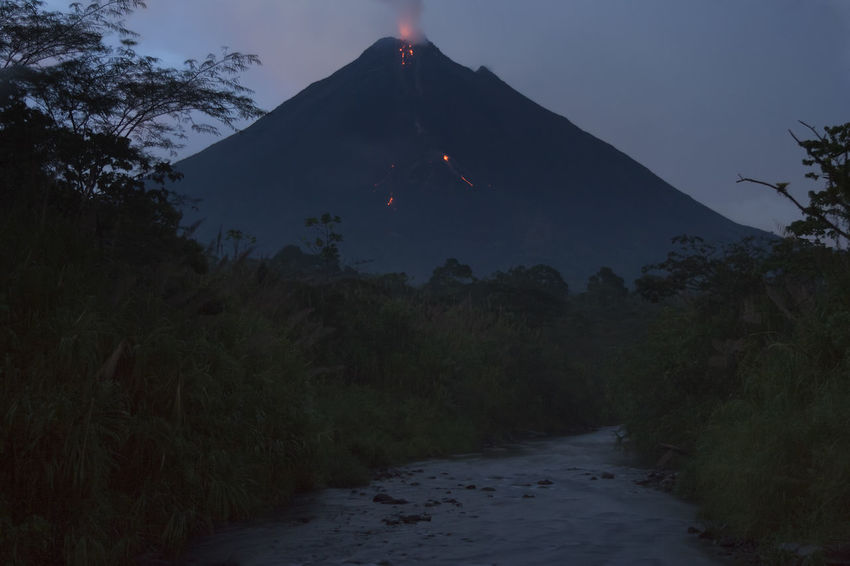 Volcano Arenal in Costa Rica - La Fortuna, Alajuela province, Costa Rica Arenal Volcano Arenal Volcano National Park Costa Rica Danger Destruction Erupting Eruption Exploding Fire Geology Heat Landscape Landscape_Collection Lava Mountain Night Silhouette Smoke Stratovolcano Tectonic Volcanic Landscape Volcano Volcano Eruption Vulcano Vulcanology