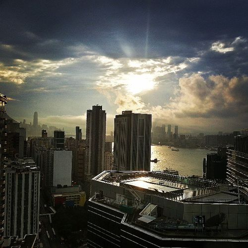 And now it's cleared up nicely in time for labour day (: Goldenhour Skyporn Skyline HongKong HK