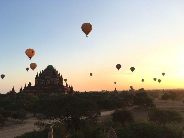 Hot-Air Baloons
