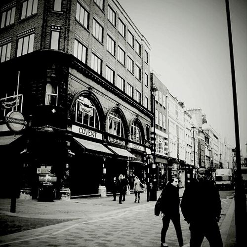 Streetphotography Blackandwhite Claunch 72 Monochrome Film London Monochrome At Covent Garden Market Streetphoto_bw City Of London Monoart Bws_worldwide Eye4photography  Ee_daily Bw_collection