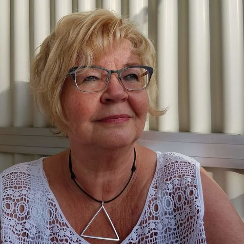 Senior Adult Only Women Adult One Woman Only Adults Only One Person Portrait Indoors  Human Body Part Headshot Front View Senior Women Human Face People Real People Women Close-up One Senior Woman Only Looking At Camera Lifestyles Winter Sport Children Only Only Men Communication Jewelry Store